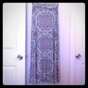 Maxi skirt size small